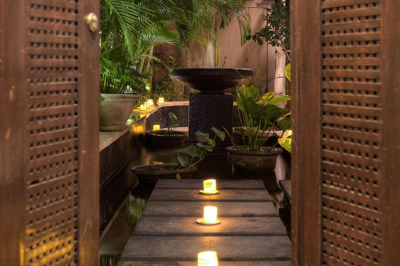Amanputri Villa Seminyak Bali - Lotus Pond